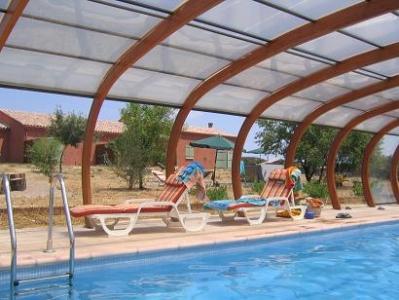 chambre location de vacances Pouzolles